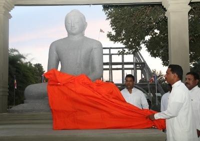 kilinochchi-buddha-statue-400-seithy