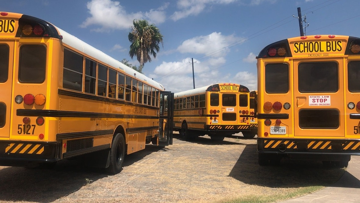 bus-2690793 1280