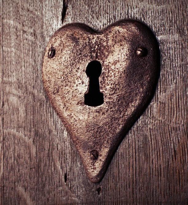 heart door.jpg 1